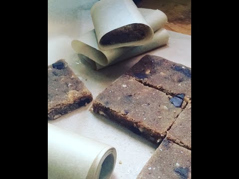 Paleo raw bars with cocoa butter and hazelnuts (english)