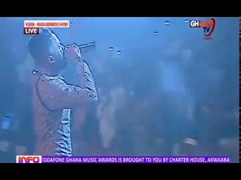 Omar Sterling and R2bees perform live at #vgma2016