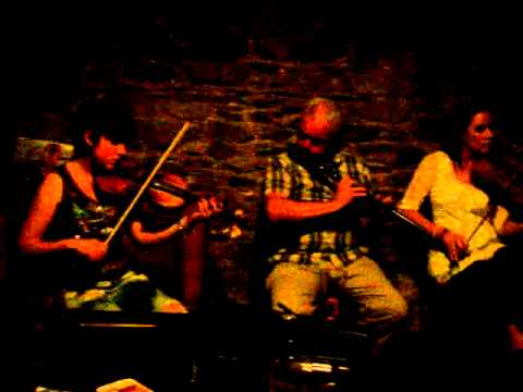 Dunleer trad session . Music from Ireland. Traditional pub session