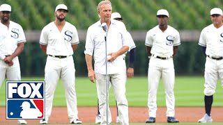 Kevin Costner leads Yankees and White Sox from cornfield onto the Field of Dreams | FOX SPORTS screenshot 1