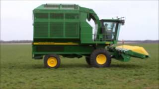2006 John Deere 7460 Mudhog cotton stripper for sale | sold at auction May 8, 2013