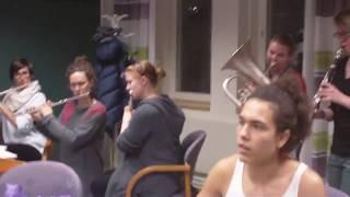 Macedonian plays with swedish students macedonian music
