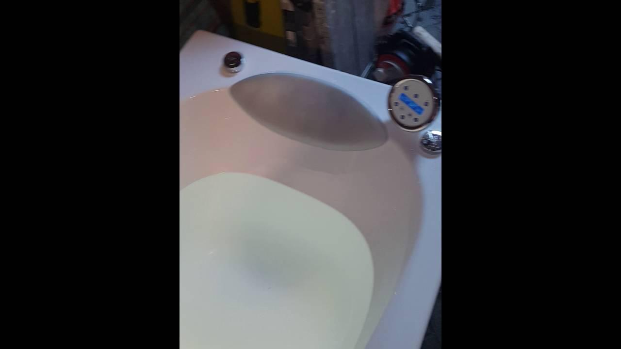 Vasca Da Bagno Novellini Calypso : Novellini calypso whirlpool bath youtube