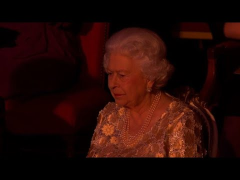 afpbr: Elizabeth II celebra 92 anos