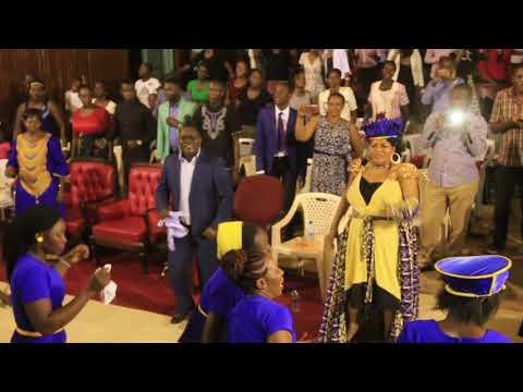 Mahodimong Mane Hossanna ft Fred Omondi