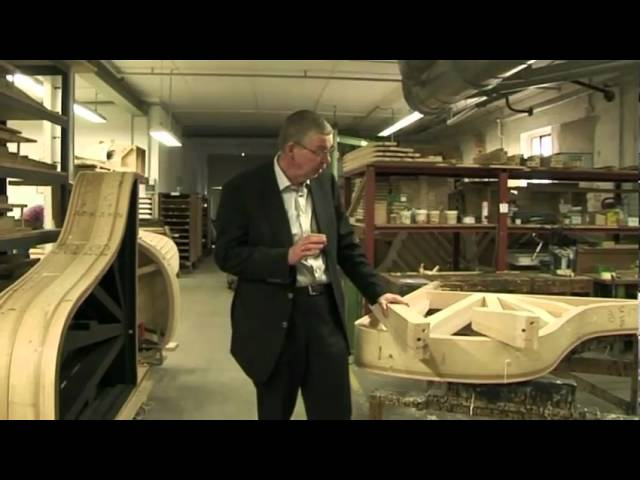 Manufacturing of Bechstein Pianos 2/12 - The rim