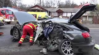 Mentőhelikopter érkezett a súlyos balesetet okozó, autóból kirepülő sofőrért Sárvárra