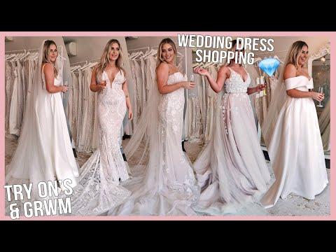 Trying On WEDDING DRESSES! 💍 I Felt Like A Princess! 👸🏼 [Paperswan Bride]