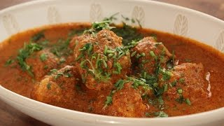 Chicken Balls In Spicy Gravy | Sanjeev Kapoor Khazana