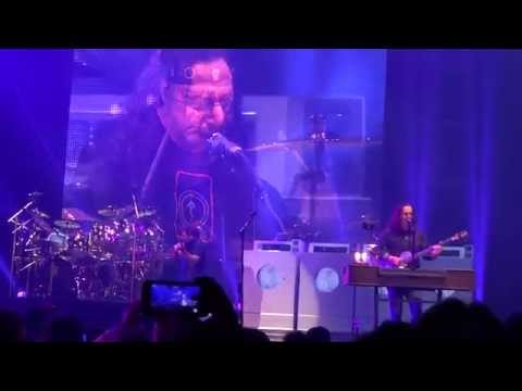 Rush - R40, Losing it - Newark NJ, 6-27-15 Featuring ... Jonathan Dinklage Violinist