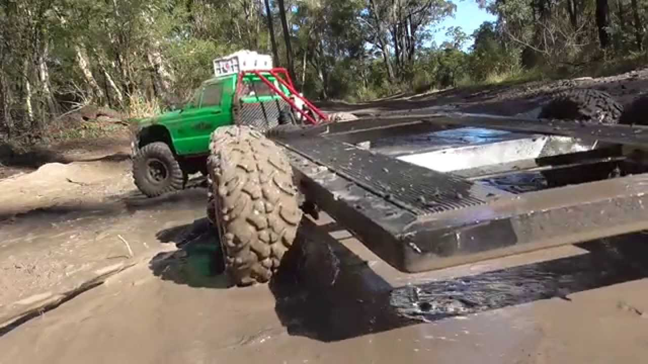 Rc 4x4 Trucks Rc Mudding With Trailer Youtube