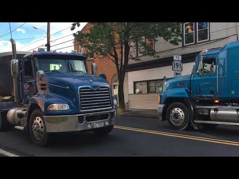 A Busy Morning In Downtown Bangor, PA - Local Truck Spotting