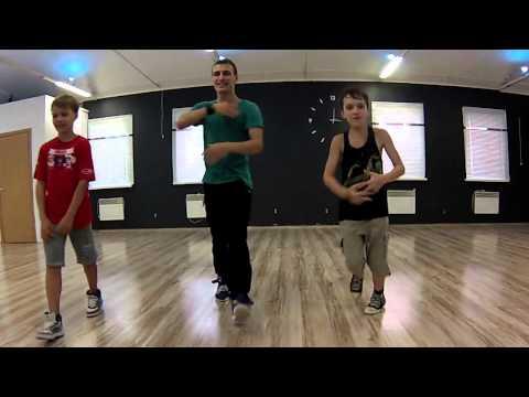 'Agnez Mo   Flying High' Bonus kids dance