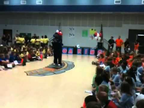 Trooper Taylor at Dean Road Elementary School