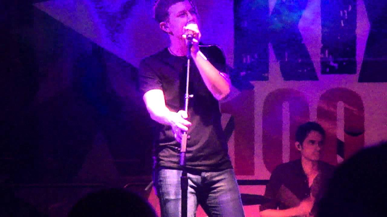Scotty McCreery- Christmas in Heaven - YouTube