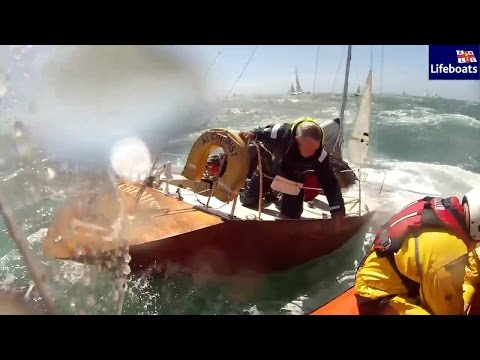 World on Water July 22 16 Sailing TV News NYYC Newport, RC 44, Syd-Gold Coast, Alchemist Sinks more