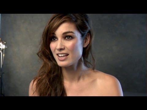 SKYFALL James Bond 2012 Berenice Interview - 007 Movie - Official [HD]