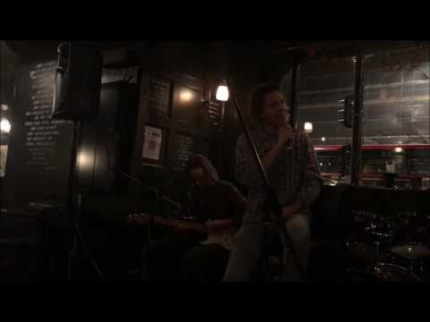Radio Seattle, Black (Pearl Jam cover) live unplugged, Croyattle
