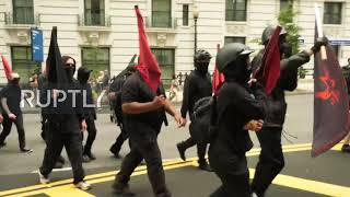 USA: Scuffles erupt as Antifa protests right-wing 'Demand Free Speech' rally