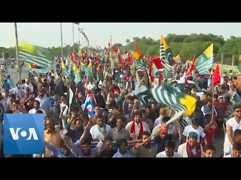 Thousands Protest in Pakistan in Support of Kashmir
