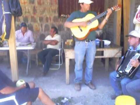 Los Rancheros del ChaLeT.AVI
