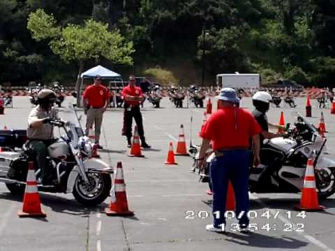 Pasadena police motors rodeo 100414 avi youtube for Rose city motors pasadena