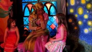 Young Girls Dream - Singing I See The Light to Rapunzel at Disneyland - Tangled
