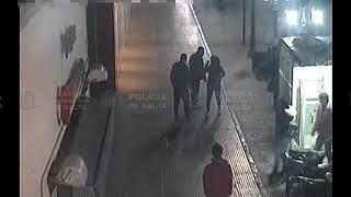 Video: La golpeo delante de todos