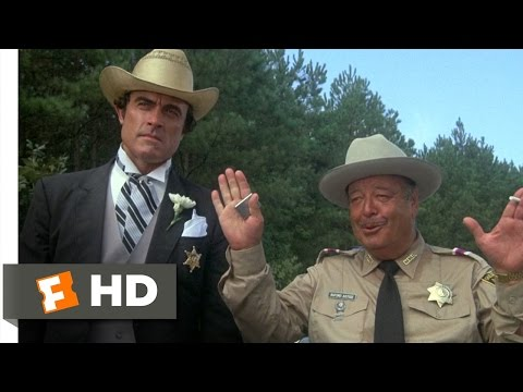 Smokey And The Bandit (5/10) Movie CLIP - That's An Attention Getter (1977) HD