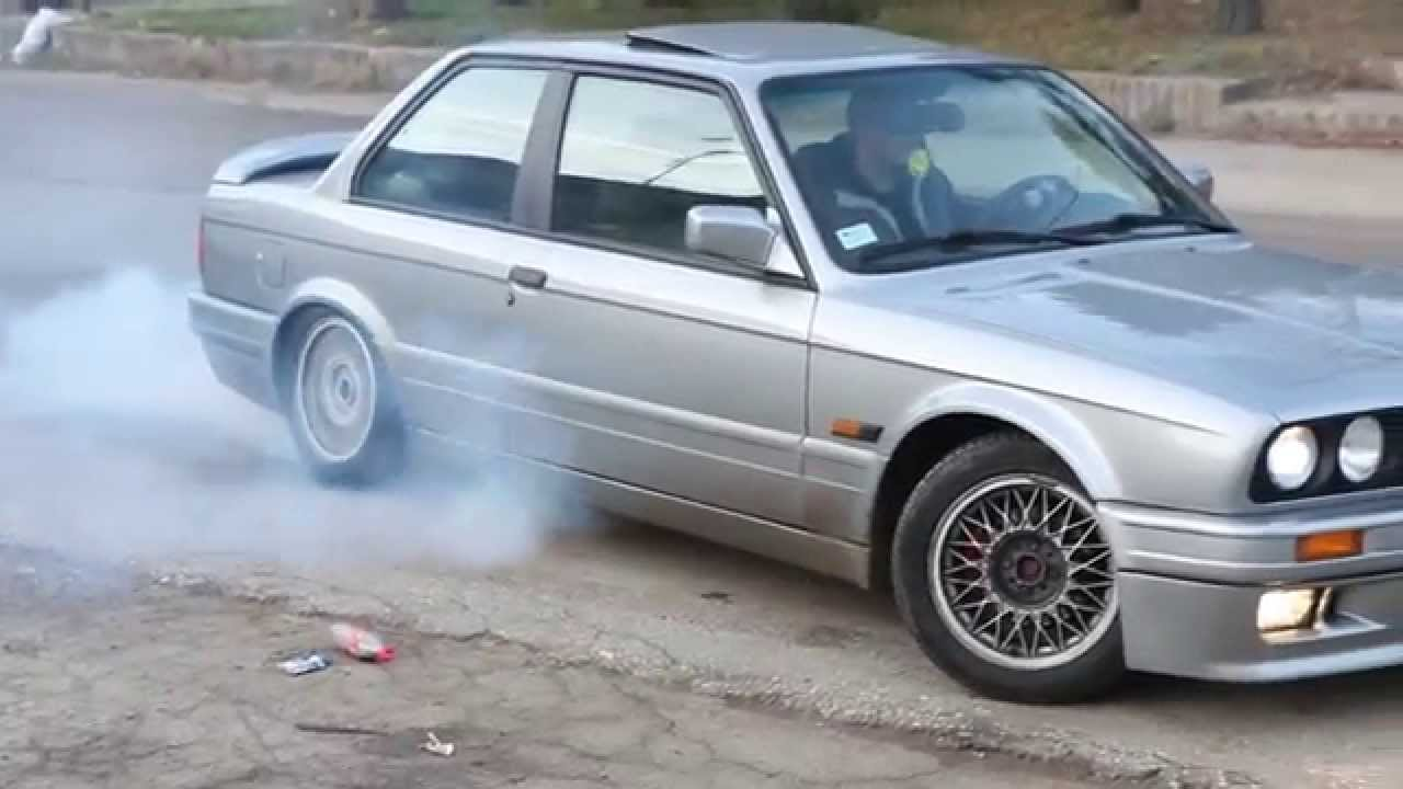 bmw e30 327i m tech 2 burnouts youtube. Black Bedroom Furniture Sets. Home Design Ideas