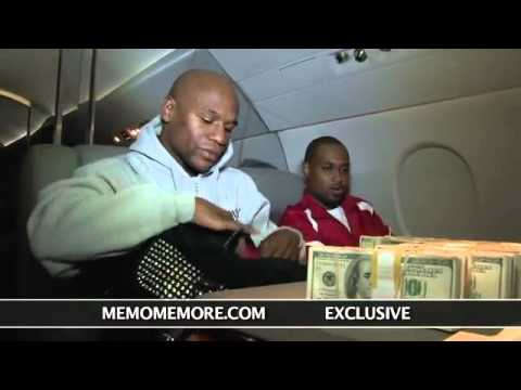 Floyd Mayweather Counting 1 Million Dollars In His Jet!