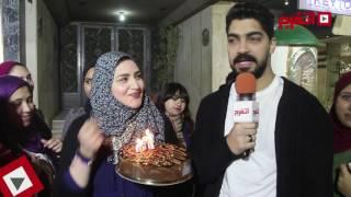 اتفرج   مينا عطا يحتفل مع جمهوره بعيد ميلاده