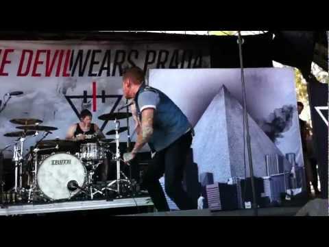 The Devil Wears Prada - Born to Lose LIVE