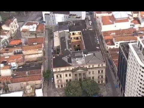 Domingo Espetacular mostra prédios históricos que também estão abandonados no Brasil