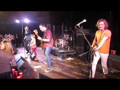 """Gin Blossoms - """"Follow You Down"""" (live)"""