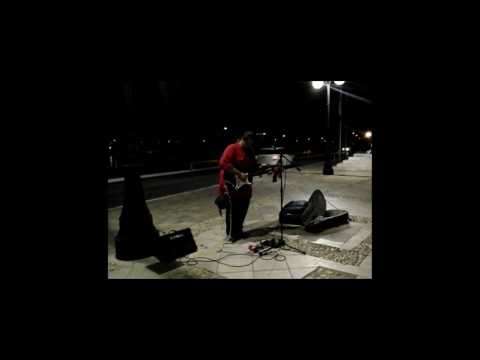 Amazing street blues/jazz musician (Bill Lee)