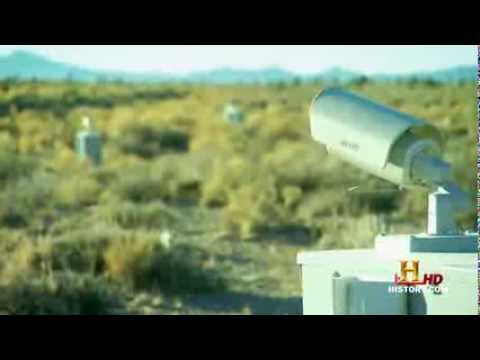HD Area 51 Revealed - massive hangar in high secured area 51 sighted (interruptions?)