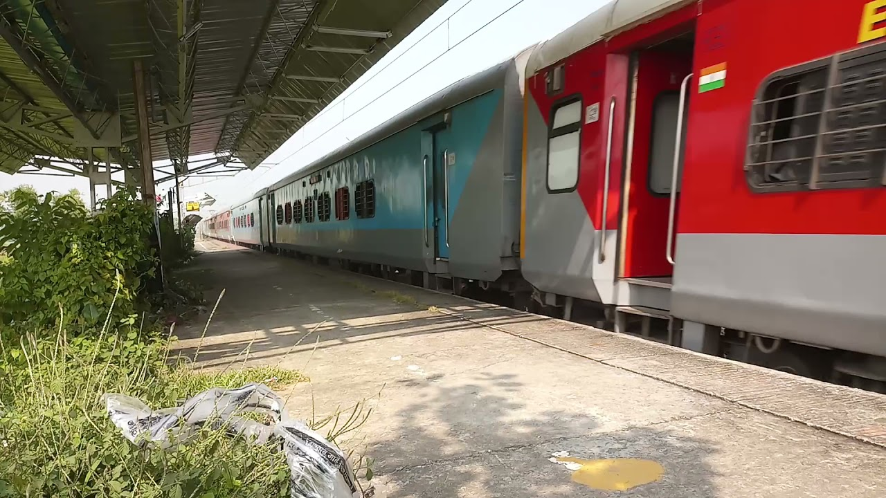 #shorts/ rattling WAP7 with LHB rake and some track sounds