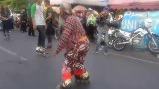 Pawai Budaya Pakai Sepatu Roda
