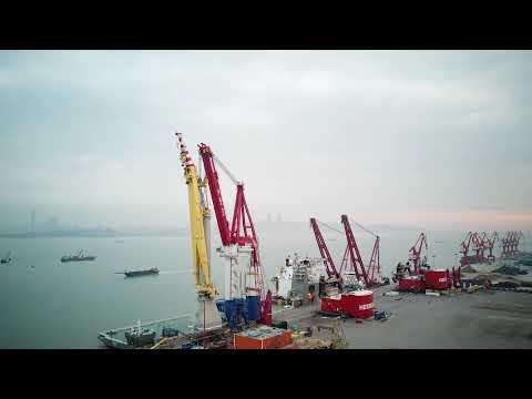 Huisman 3000mt Offshore Mast Crane Installation onboard Bokalift 1
