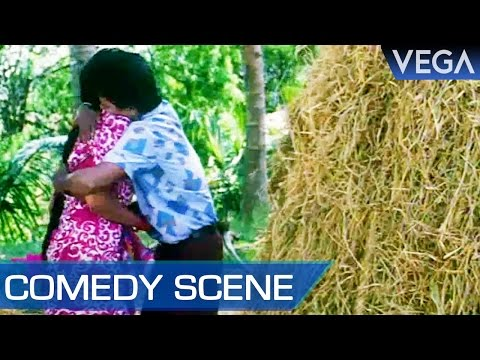 Pandiaraja Tries To Romance With Girl    Valli Vara Pora Tamil Movie    Comedy Scene