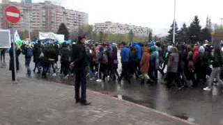 Площадь Республики г.Усть-Каменогорск,парад на первое мая