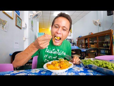 Eating JACKFRUIT SEED Curry!! Serve Yourself Vegetarian Thai Food!   Phatthalung, Thailand