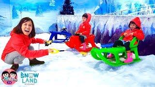หนูยิ้มหนูแย้ม   นั่งรถลากหิมะ SnowLand ฮาร์เบอร์พัทยา