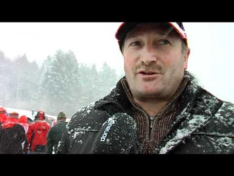 Mit Vollgas bergab - Traditionelles Holzzugschlittenrennen in Langdorf