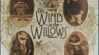 The Wind In The Willows - Opening Credits