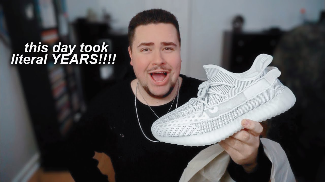 a4c89b61b20 Adidas Yeezy Boost 350 V2  Static  Unboxing   Review - YouTube