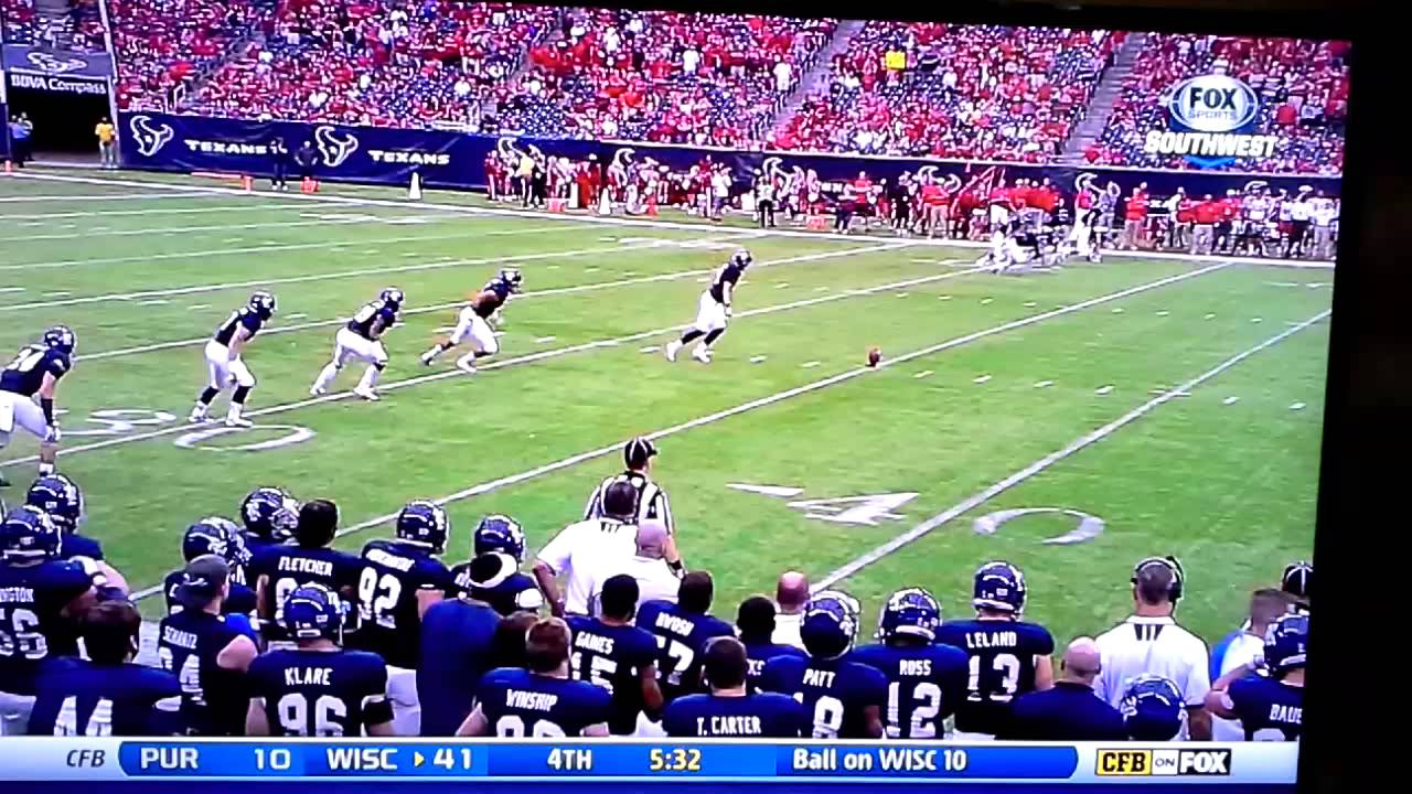 Rice Kicker Shows Off Fancy Footwork Executes Incredible Onside Kick Against Houston Video Nesn Com
