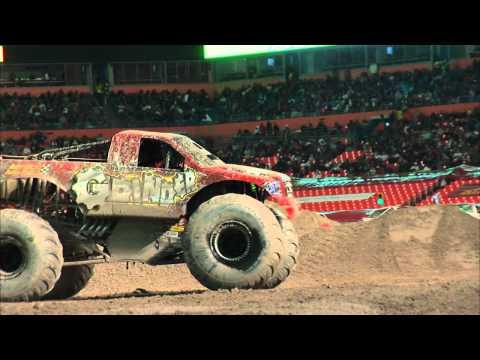 Monster Jam Grinder Monster Truck Freestyle FULL RUN Miami, Florida - February 2012