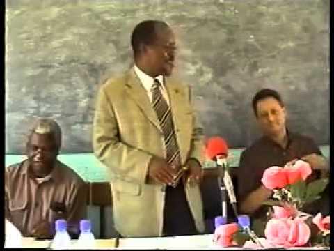"Magufuli akiongea Kiingereza Kibovu ' Broken English"""
